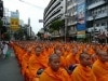 タイ王妃誕生日を前に僧侶1万人以上が中華街で平和の祈り