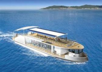 1月から運航を開始するエコ対応の新船「megumi」。1階側面はガラス張りで、2階はびわ湖を見渡せるパノラマデッキ。