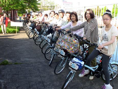 観光地の清掃活動を行いながら電動アシスト付き自転車を利用し観光地を巡る「びわ湖クリーンアップキャンペーン2010」が開催された。