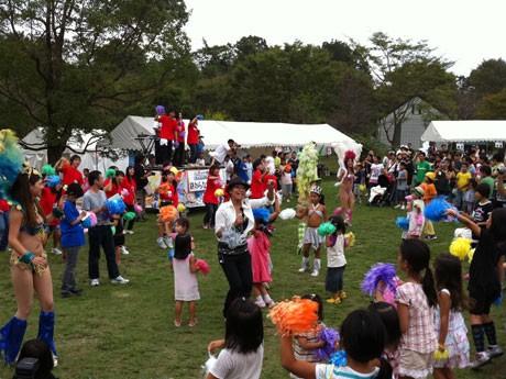 フェスのフィナーレを飾った全員参加のパレード「終わらないパレード」