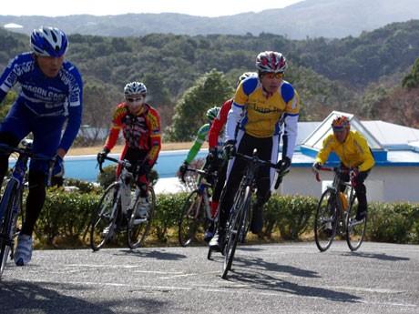 自転車で世界文化遺産の比叡山延暦寺へ登板する本格的なヒルクライムイベント「2011 比叡山ヒルクライム大会」の開催が決定した。