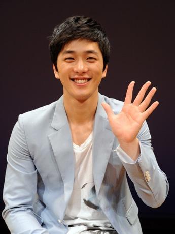 写真=韓国人俳優のイ・ヒョンジンさん