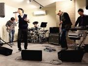 滋賀ダイハツ販売軽音楽部バンド「フライングスニーカー」、メジャーデビューへ