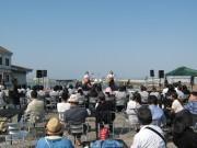 琵琶湖岸でカフェ&「びわガーデン」 音楽聴きながらビールや近江米カレーを