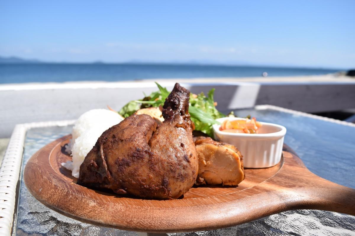 琵琶湖を眺めながら食べるフリフリチキン