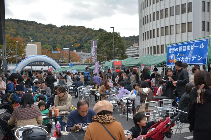 オープンカフェの様子(過去開催時)