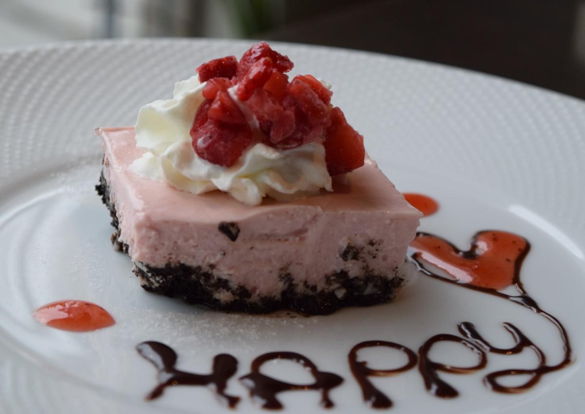 守山産いちごのレアチーズケーキ(オウミデゴハン)