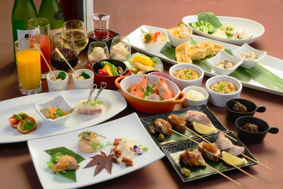 近江黒鶏のロースト柚子ソース、バームクーヘン豚のソテーなどの料理