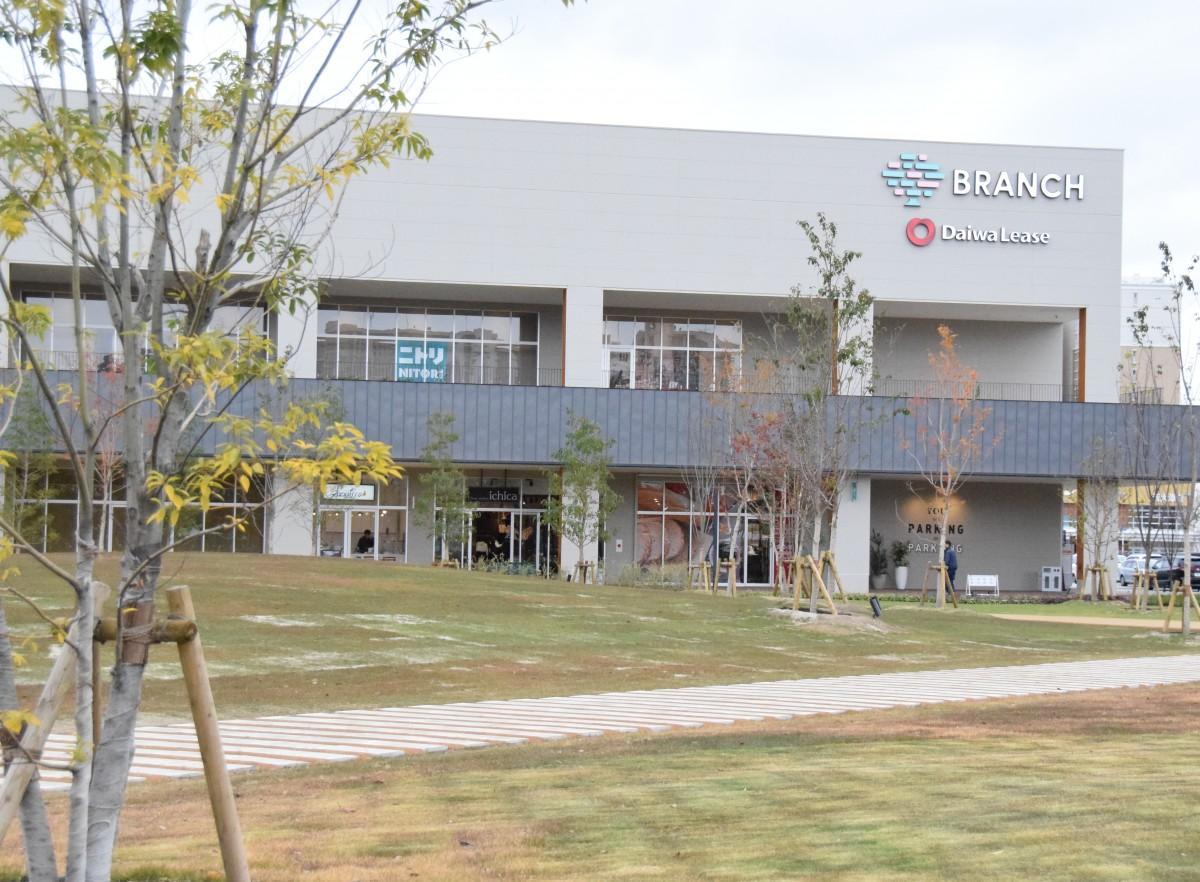 「公園の中の商業施設」がテーマのブランチ大津京 公園、物販店、レストラン、スポーツ施設、シェアオフィスなど
