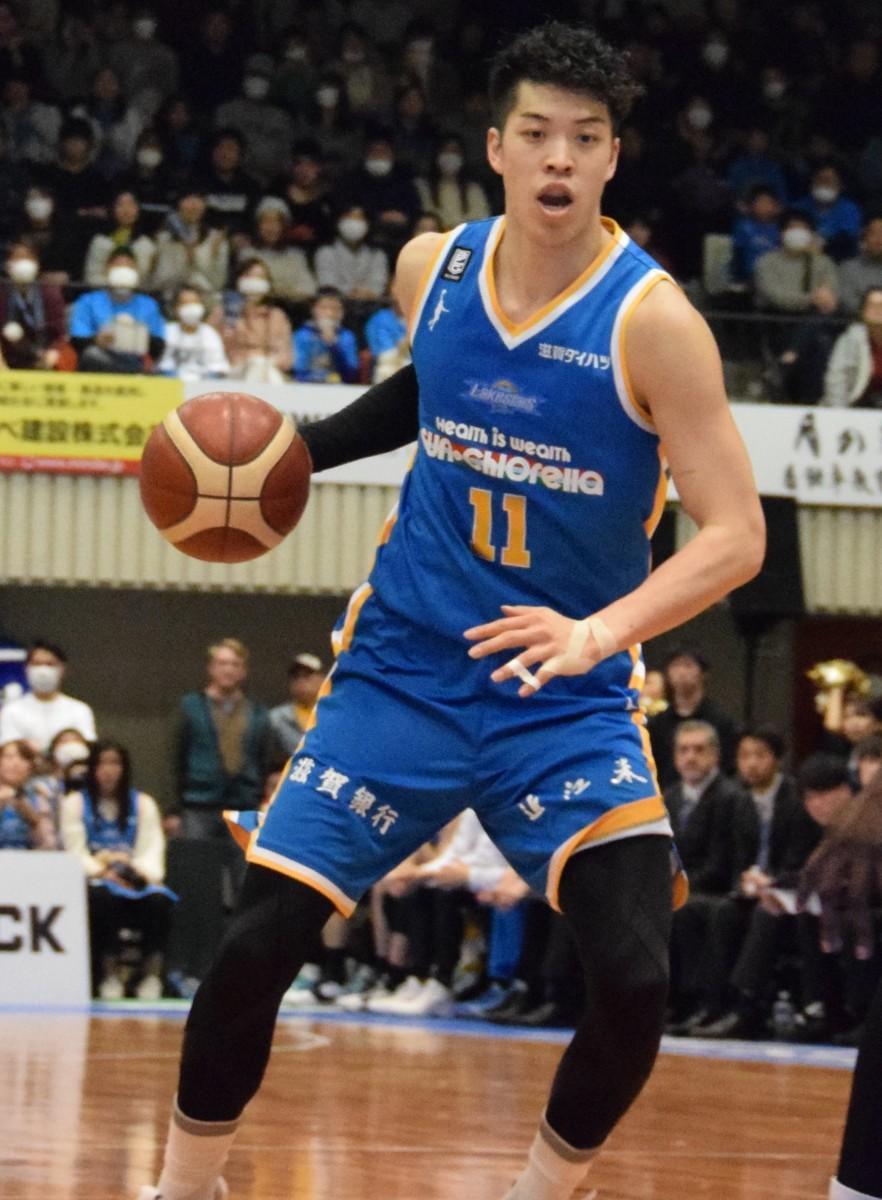 佐藤卓磨選手「チームメートに支えられているので、それに応えたい」と話した。