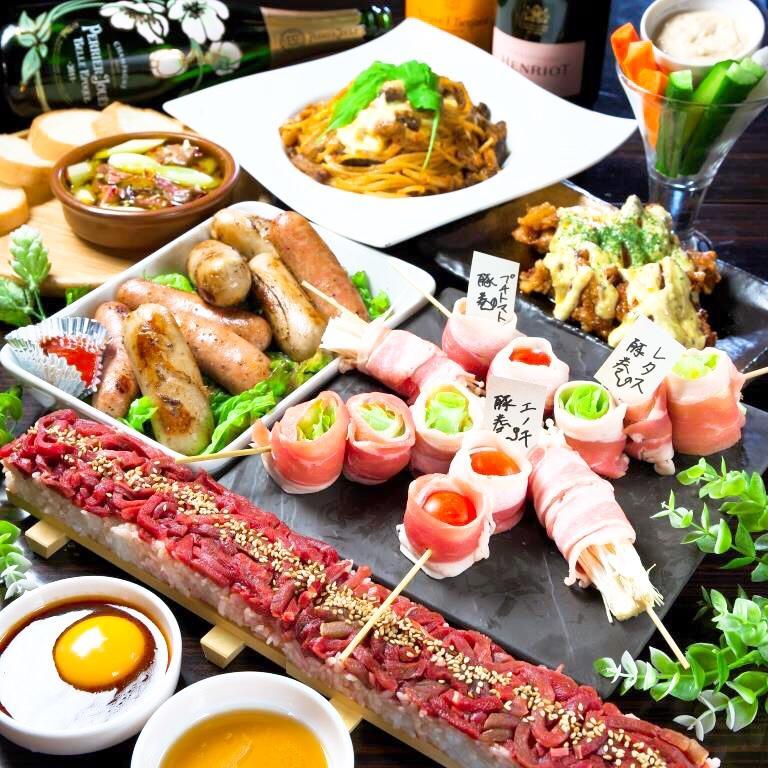 ユッケ寿司、野菜の豚肉巻きなどSNS映えする料理