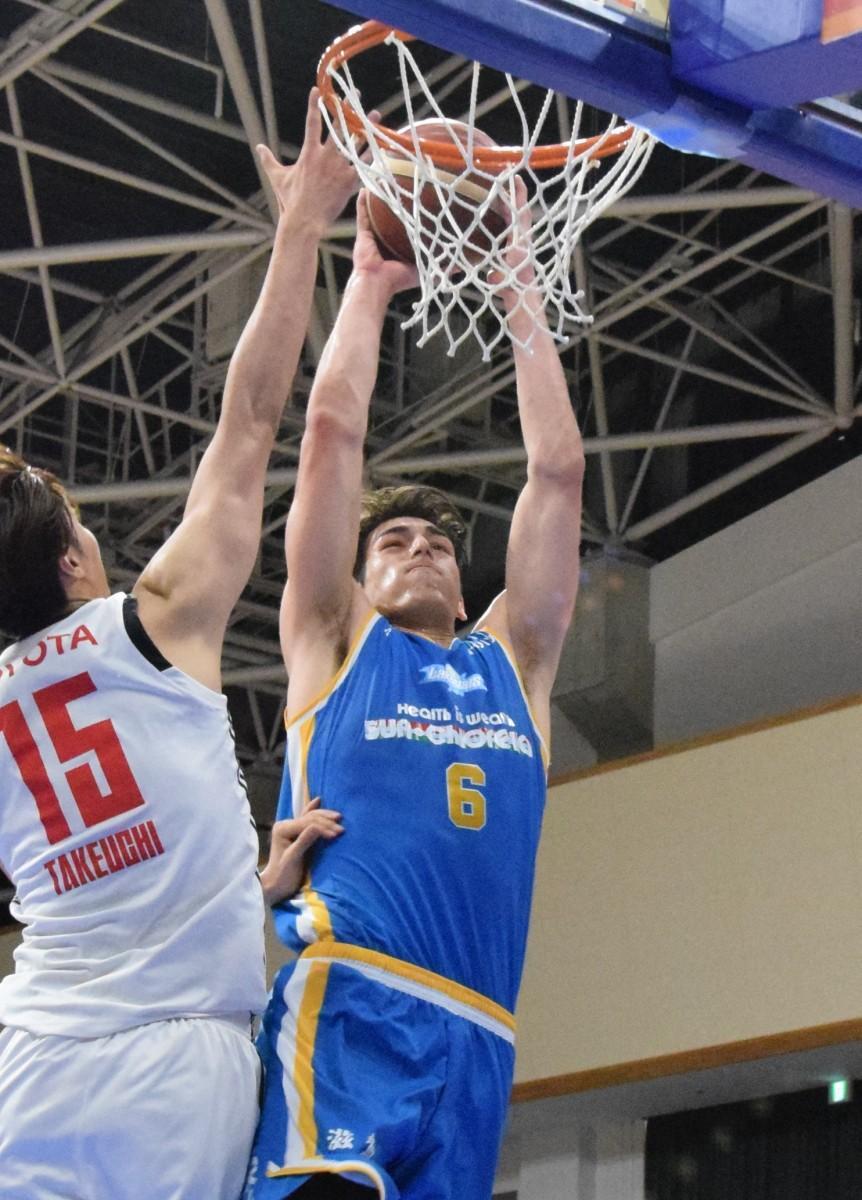 2019-20シーズン新人ベスト5に選出されたシェーファーアヴィ幸樹選手
