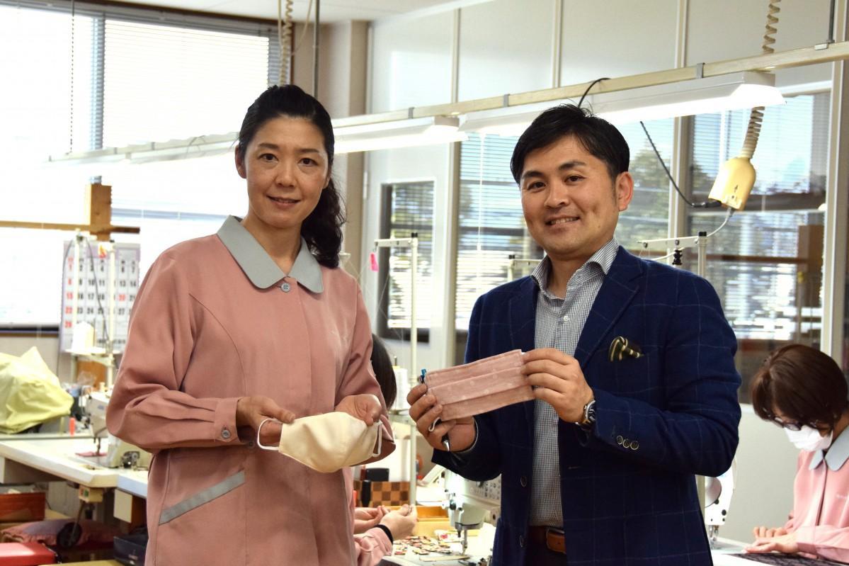 守山市の「清原」がふくさの製造技術を生かしてマスクの製造を始めた。3月13日配信