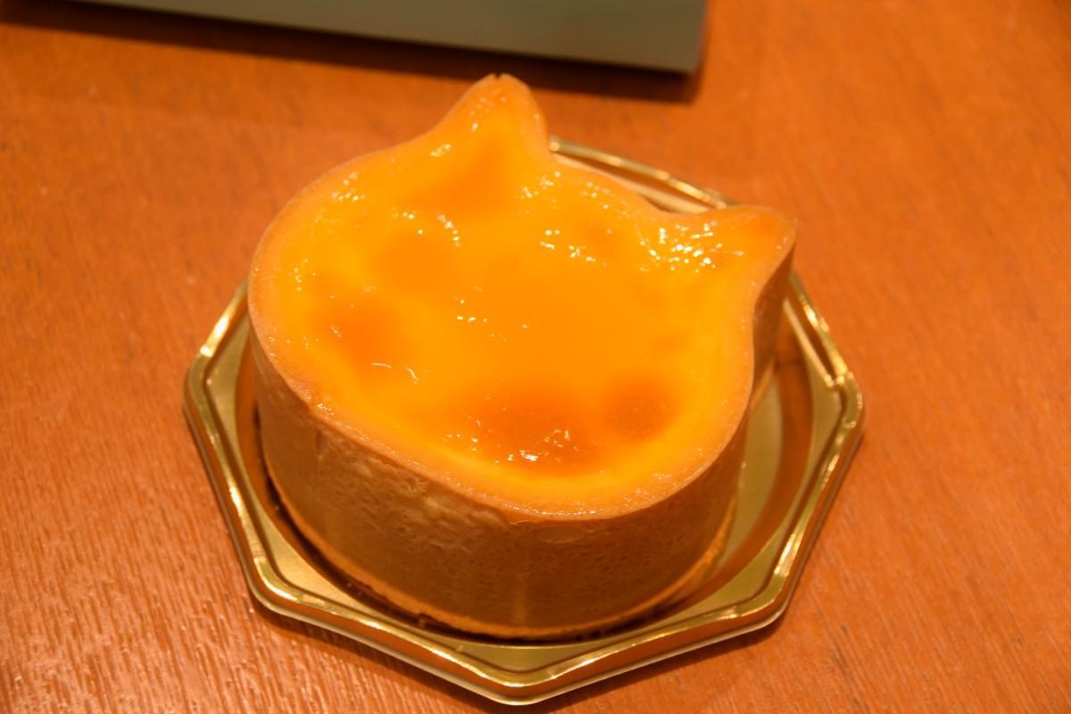 ネコ型のチーズケーキ「NEKO NEKO CHEESECAKE」