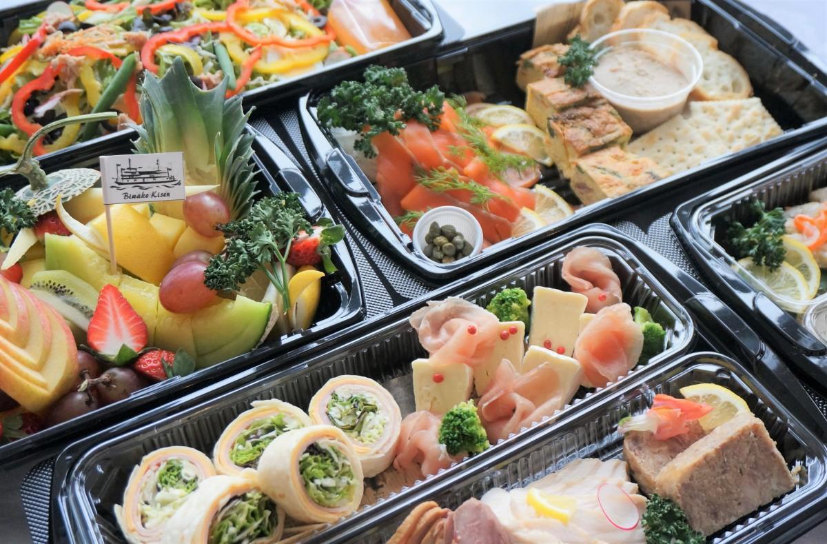 生春巻き、トルティーヤロール、鴨ロース、生ハム、パテ・ド・カンパーニュなど本格的な料理をテークアウトできる「おうちdeミシガン」