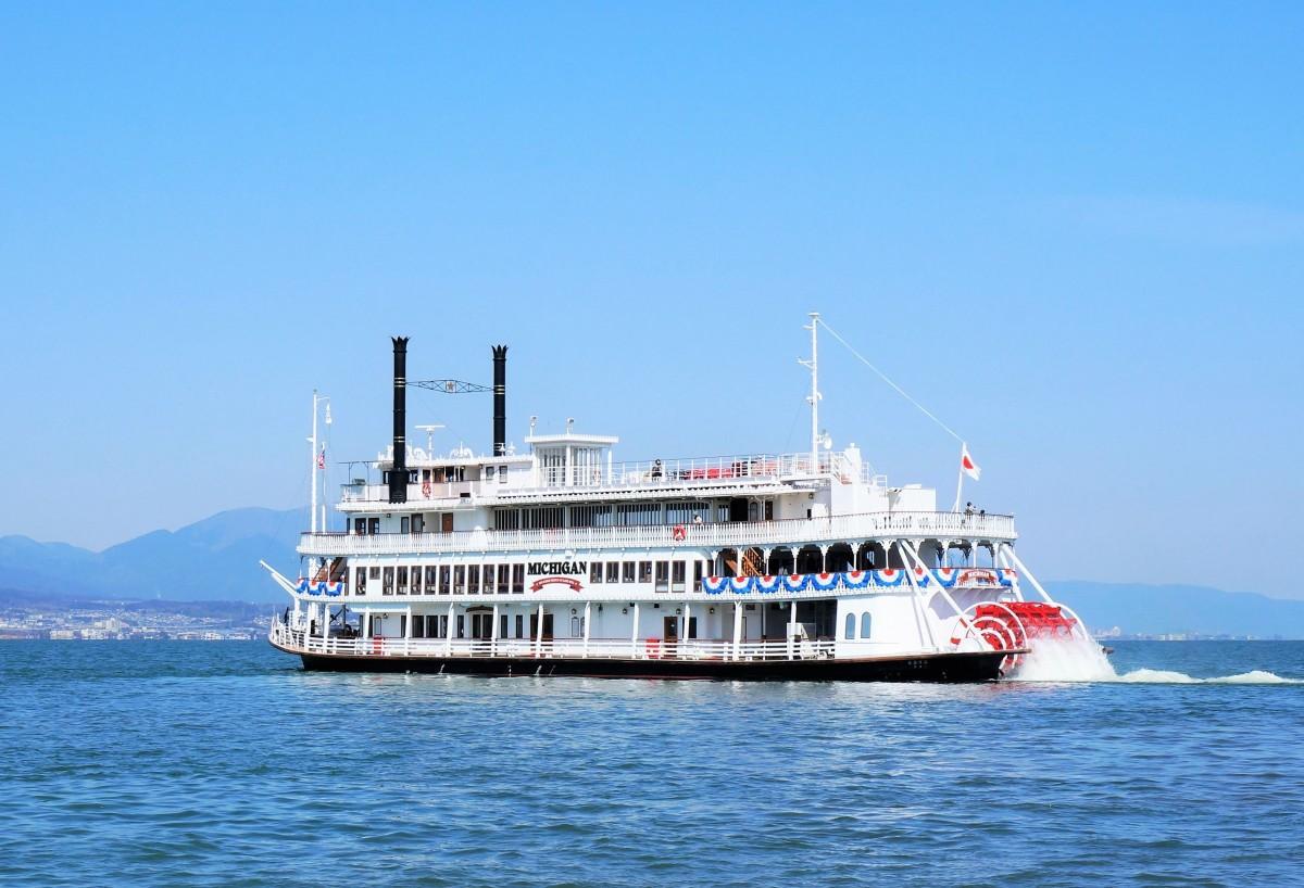 3月7日から運航を始めた琵琶湖の遊覧船「ミシガン」