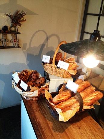 店内に並ぶdodoのパン