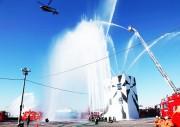 千葉・ハーバーシティ蘇我で「千葉市消防出初式」 徒歩部隊、車両部隊のパレードも