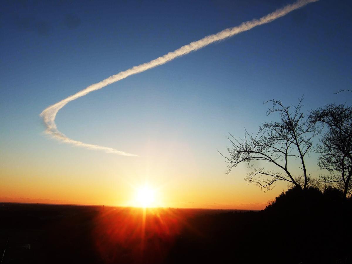 2018年元旦雲から上から登ってきた日の出
