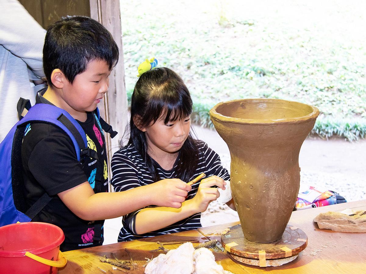縄文土器の文様付け体験