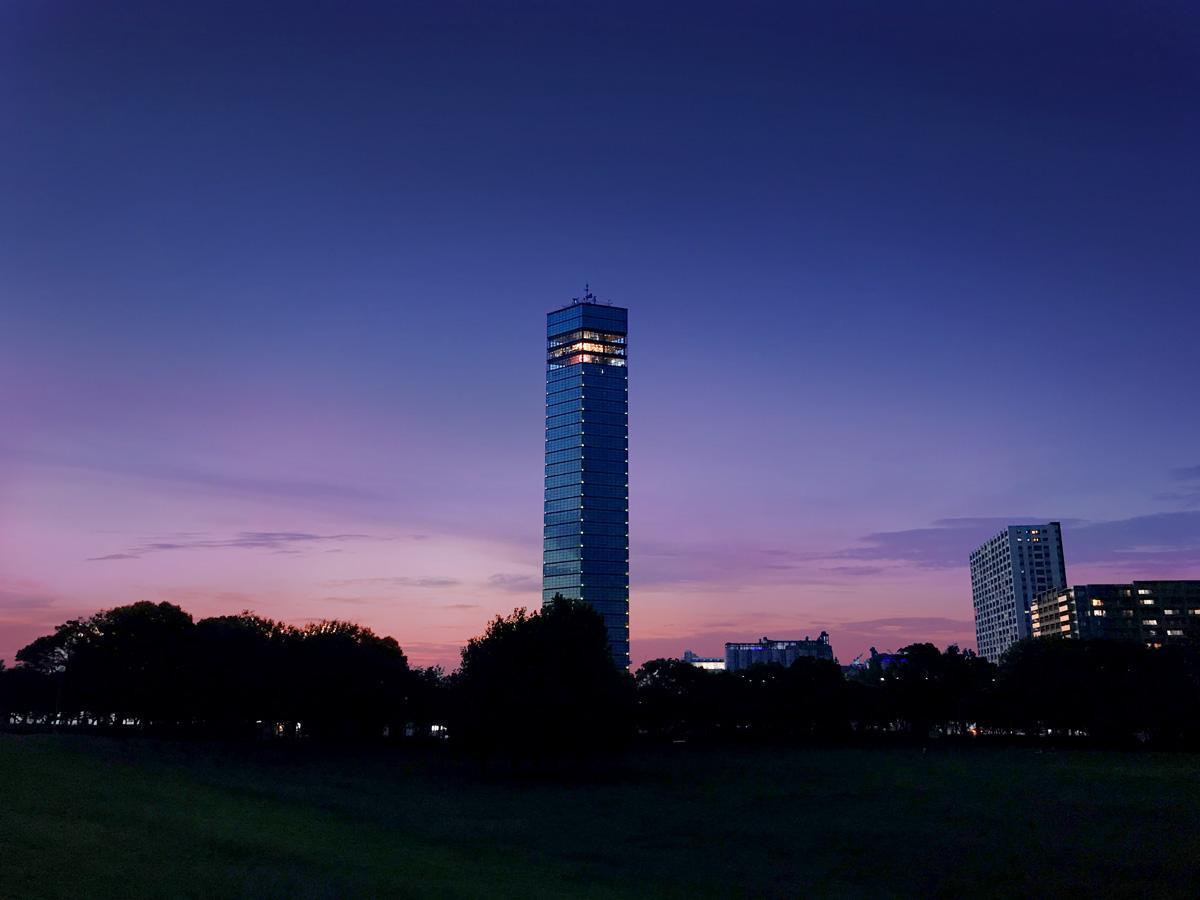 夜の千葉ポートタワー