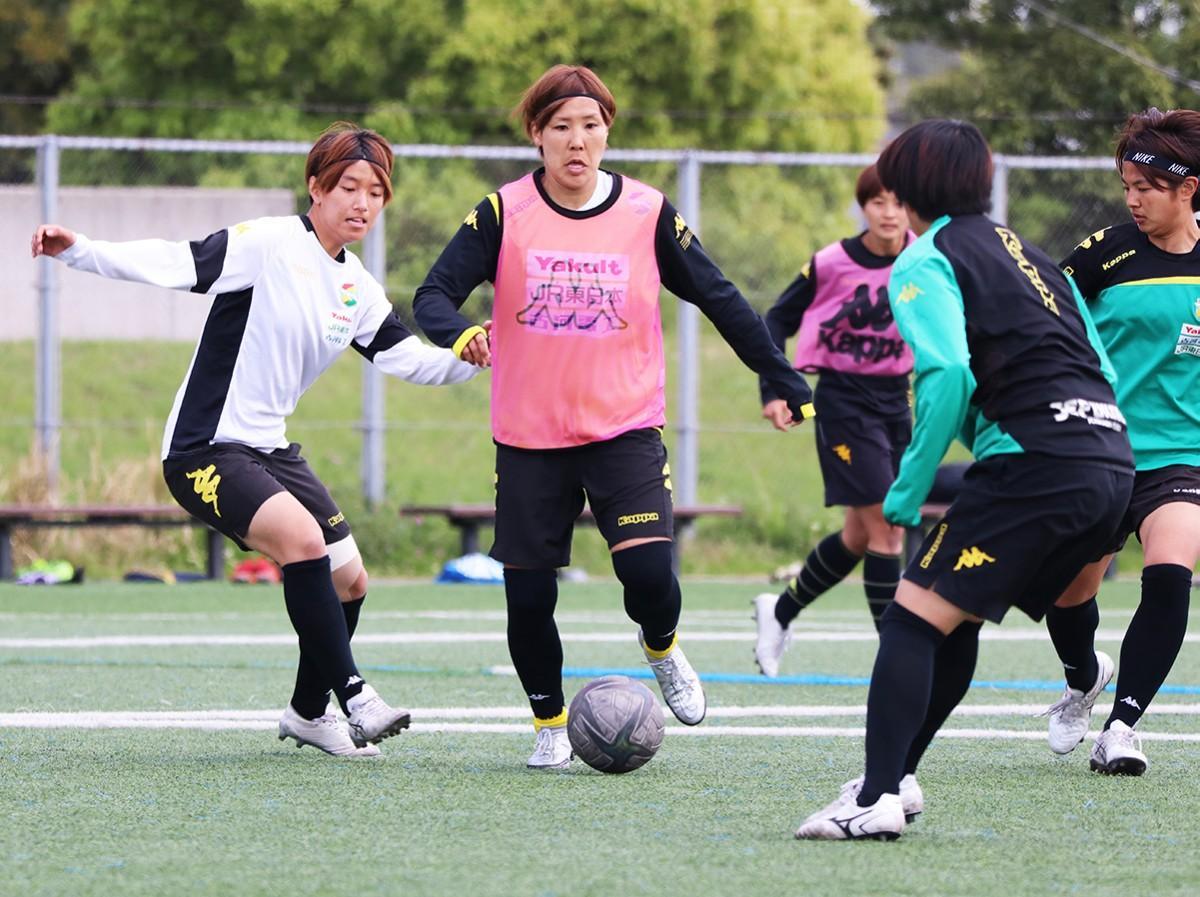 トレーニングをするMFの岸川奈津希選手©JEFUNITED
