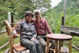 皆野町の木工房、秩父の矢尾百貨店で木工展「荒川の流木を生かして」