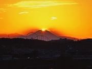 調布から「ダイヤモンド富士」を見るチャンス到来-多摩川の土手など