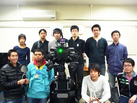 ロボカップジャパンオープン2011大阪でダブル授賞したチームkara@geとロボット
