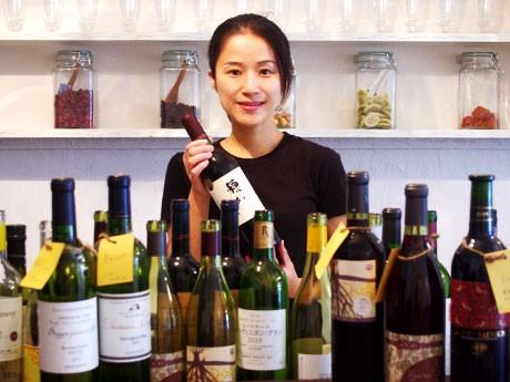 仙川に国産をメーンに置くワインバー。店長の長橋さん