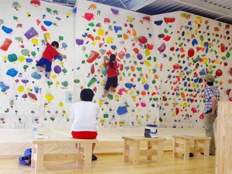 8月25日にオープンしたクライミング・ジム「hangout(ハングアウト)」。