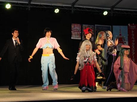電気通信大学の学園祭で行われた女装ミスコン。今年の優勝は「空星P@X68(ろっぱ)プロ2nd season」さん