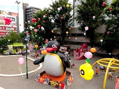 昨年の「キンダー・フィルム・フェスティバル」で装飾を施した調布駅前公園