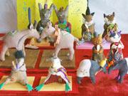 調布・仙川近くの雑貨店でぬいぐるみ風動物ひな人形-猫やヤギ、鳩など