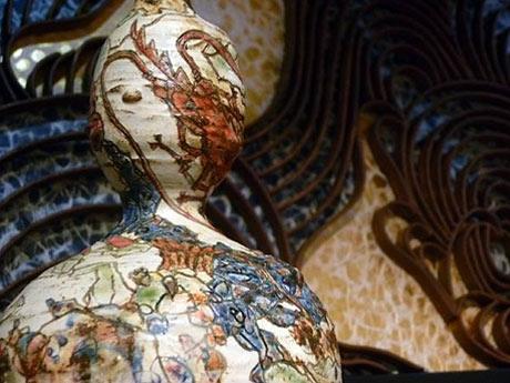 小孫哲太郎さんの作品「瓢箪型海老蟹紋壺」