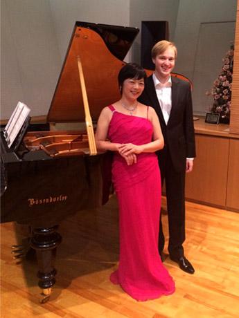昨年10月に出演したロシア人バリトン・ヴィタリ・ユシュマノフさんと飯野糸穂子さん
