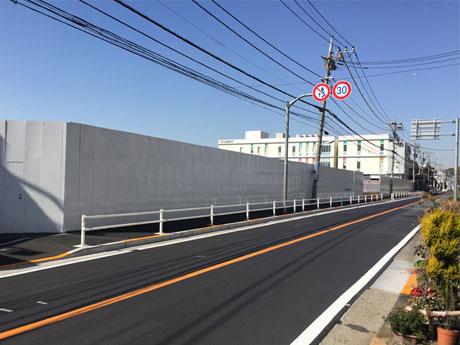 大規模商業施設の建設が進む柴崎のボウリング場跡地