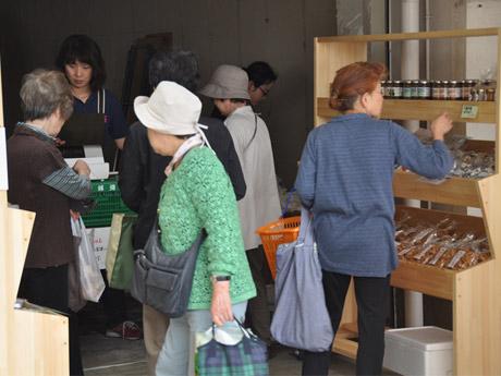 多摩川住宅内にオープンした長野県木島平村のアンテナショップ「食の駅 新鮮屋」2号店