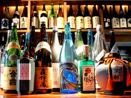 「森伊蔵」や「なかむら」の原酒、限定ボトルの「月の中」など約15種類を集める