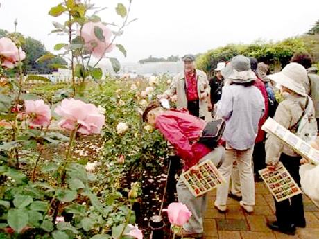 蓬田勝之さんによる「香りのモーニングツアー」