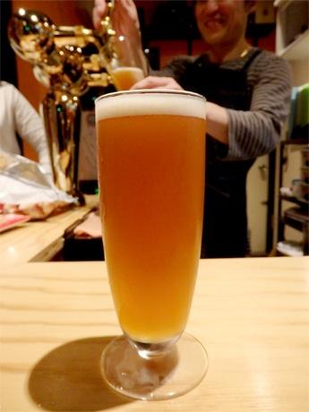 「調布ビアワークス」の自家醸造ビール「St.Robinson」