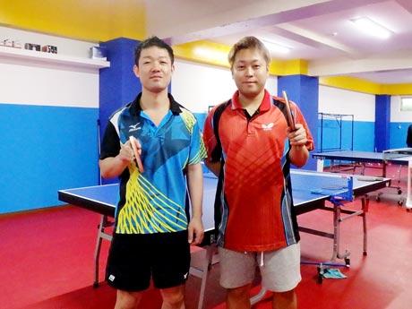 「MI青春卓球CLUB」代表の菅野正典さん(左)と主任コーチの伴誠也さん