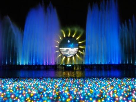 よみうりランドで首都圏最大級のイルミネーション 巨大リング噴水ショーも