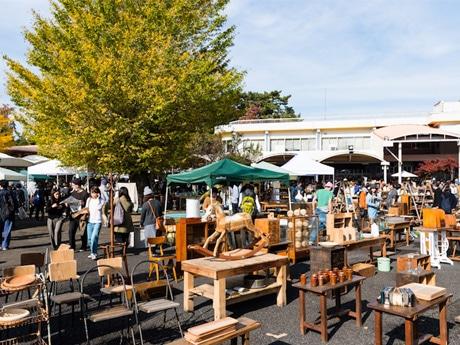 調布・京王閣で人気イベント「東京蚤の市」 古き良きもの集結、今年も新企画