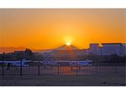 調布から観測「ダイヤモンド富士」今秋の見頃到来 山頂と太陽重なり自然の芸術