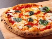 調布・飛田給にテークアウト専門ピザ店 500度の石窯で焼き上げるナポリピザ