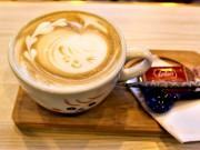調布・柴崎駅前のカフェがコーヒー専門店に移転リニューアル 既存店も刷新