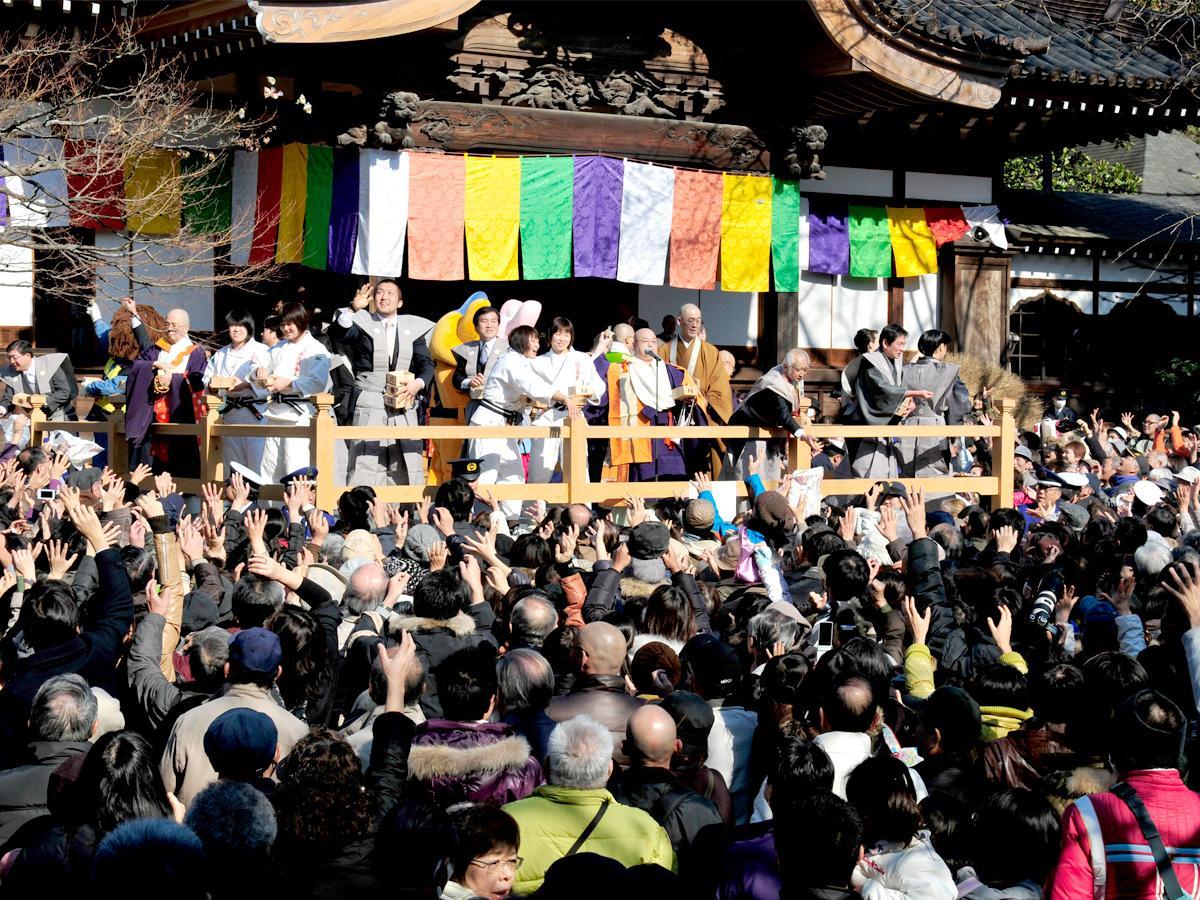 深大寺「節分会(せつぶんえ)豆まき式」、昨年の様子