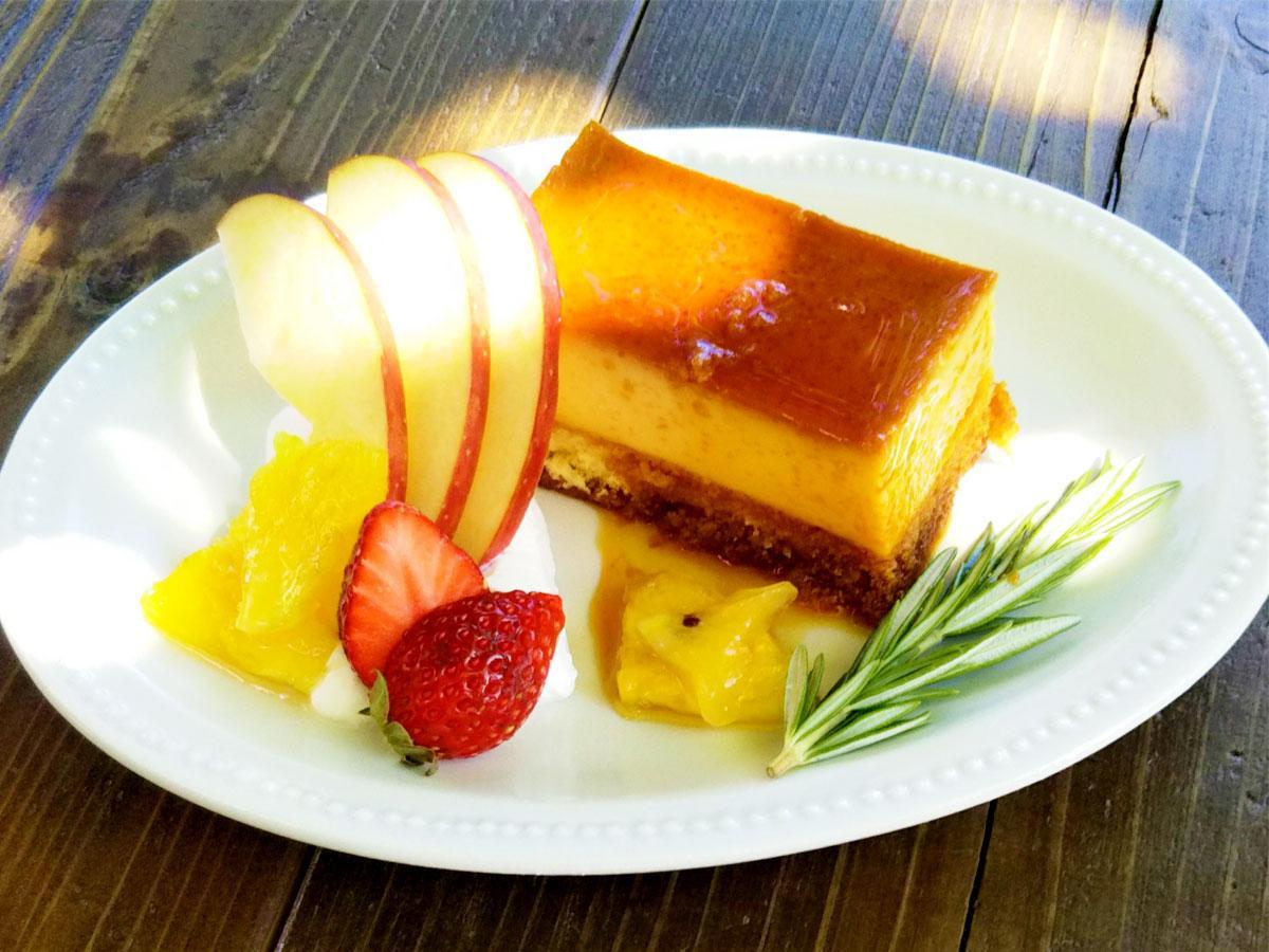 「cafe DOMITOLI」の目にもおいしい「プリンケーキ」