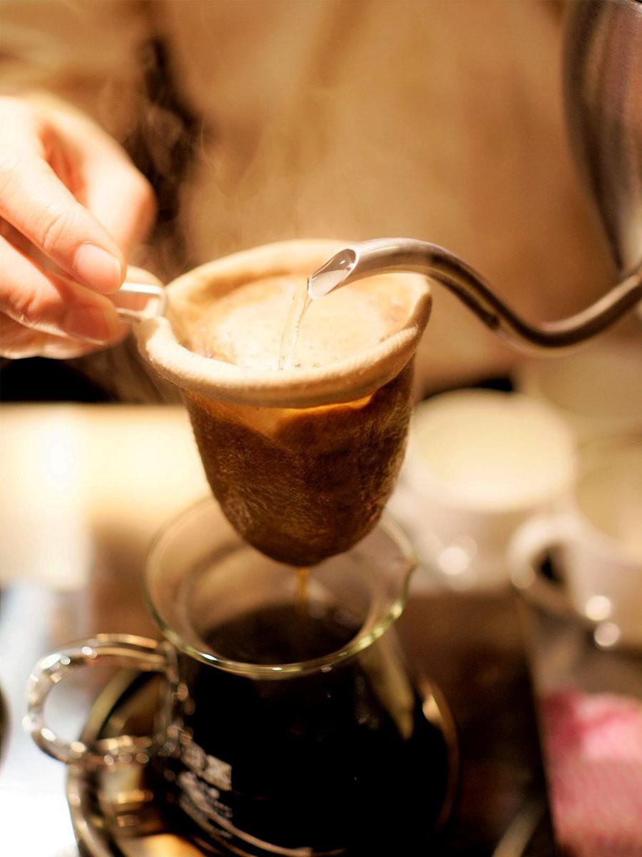 「cafeTERA'S」 ネルドリップで一杯ずついれられるコーヒー